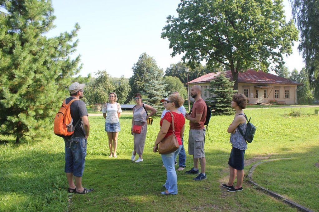 Экскурсия в Талашкино, женский день