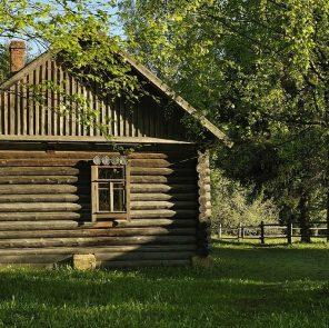 Дом семьи Твардовского на хуторе Загорье