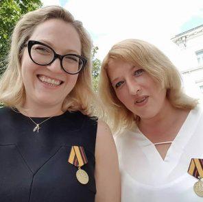 Юлия Эггер (справа) и Александра Кольб