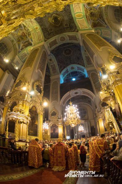 Убранство Смоленского Успенского кафедрального собора - фото Александра Губарева для АиФ-Смоленск