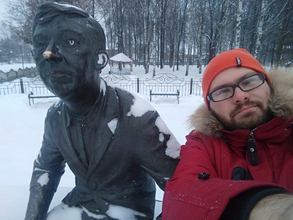Сэлфи с памятником Юрию Никулину на память / smolensk-guide.com