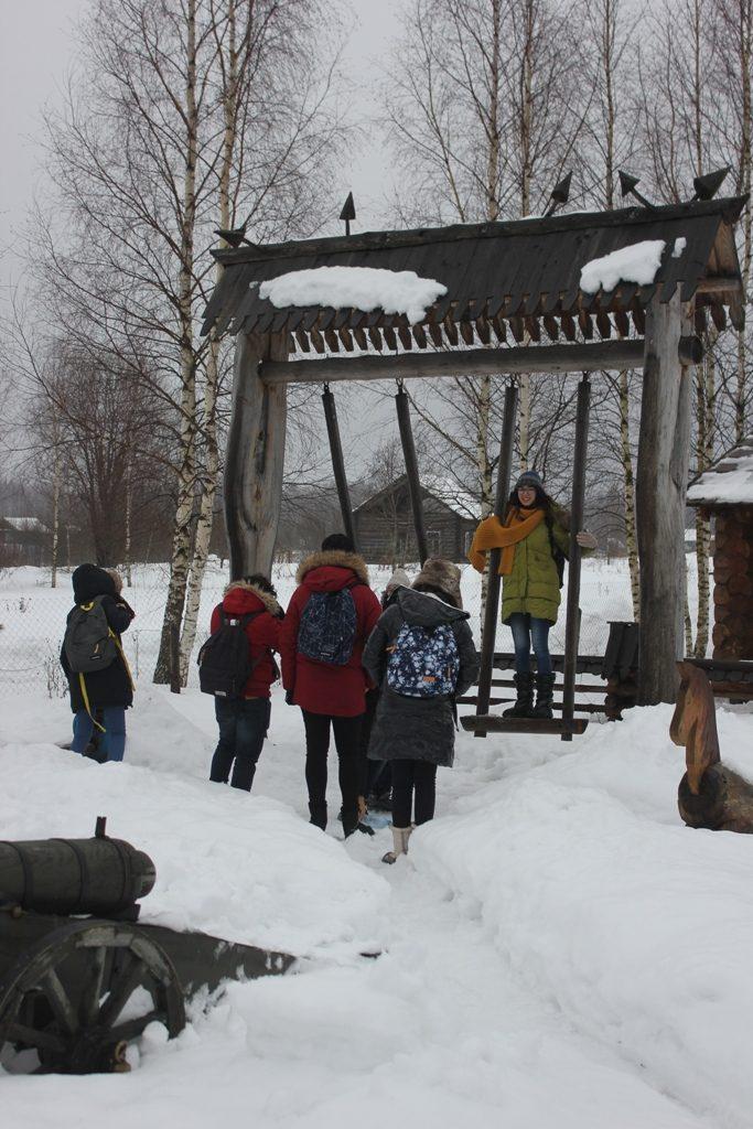 Ребята из Туниса посетили Музей бересты Альберта Дерябина / Фото: Smolensk-guide.com