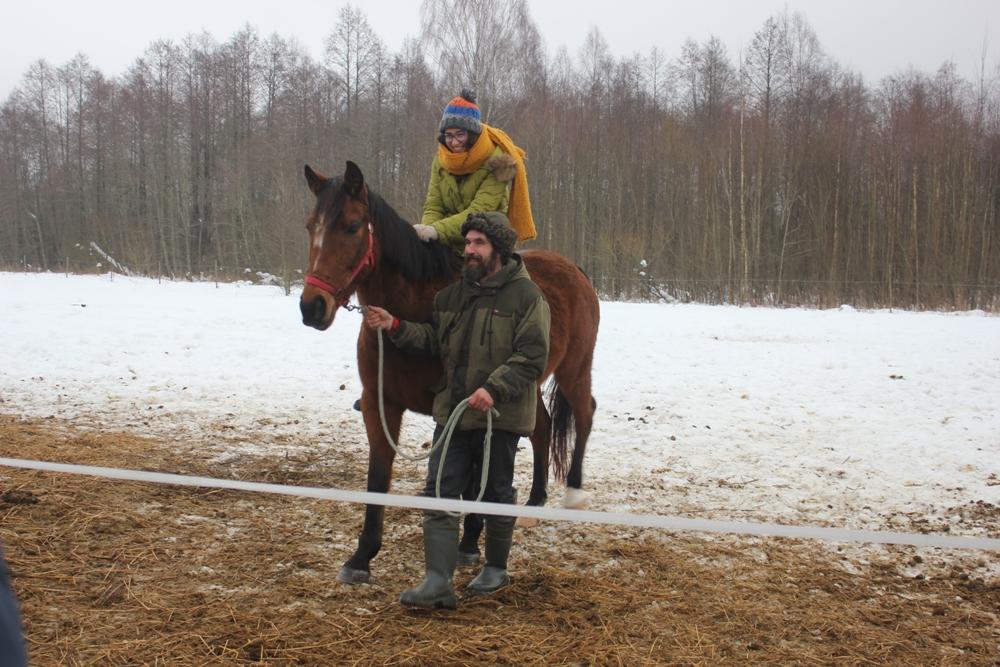 Ребят из Туниса покатали на лошадках в Поозерье /Фото: smolensk-guide.com