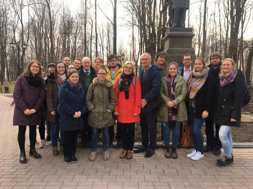 Группа молодых учителей из Хагена на экскурсии по Смоленску / Фото: Анастасия Козлова, экскурсии по Смоленску для иностранцев, экскурсия по Смоленску на английском языке,
