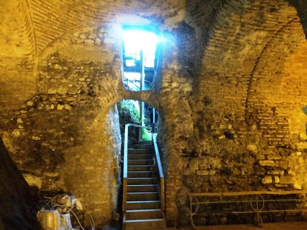 Лестница наверх / Фото: smolensk-guide.com
